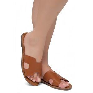 Shoes - LIGHTWEIGHT FLAT EASY SLIDE-ON SANDALS (COGNAC)